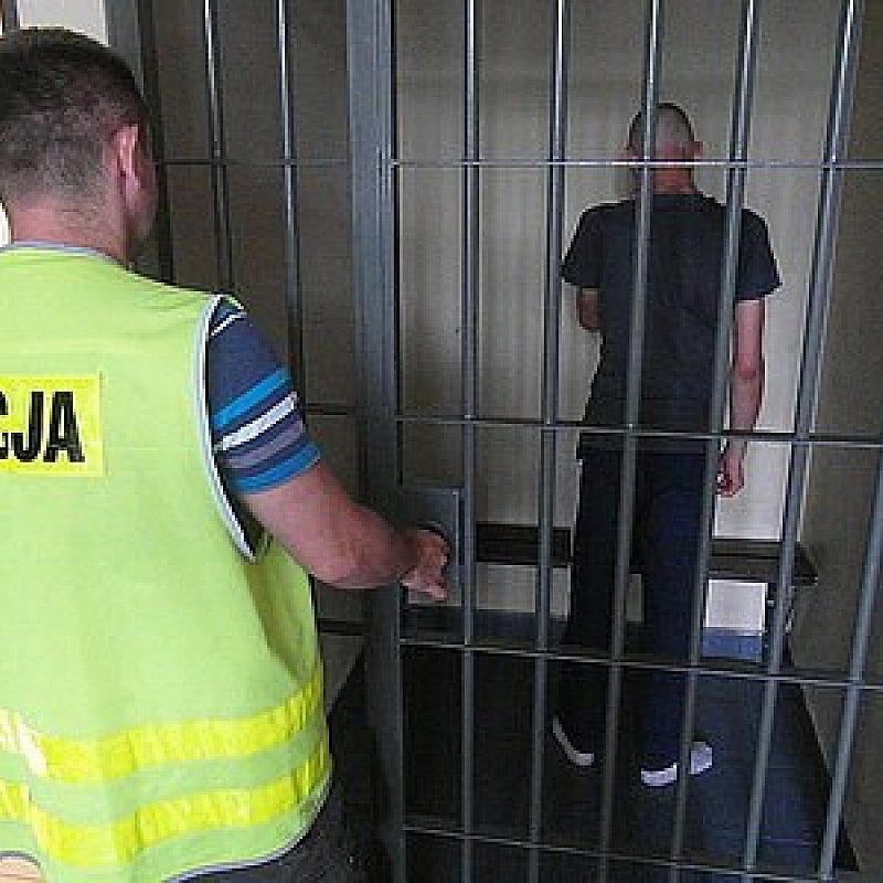 Wizyta policji w siedzibie Radia Piekary